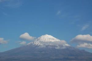 静岡側、雲がかかって明日から天気が心配